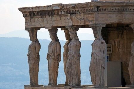 Festa della donna. Le tre donne dell'antica Grecia.