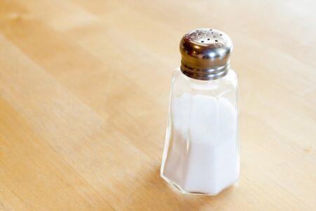 La Settimana mondiale per la riduzione del consumo di sale. I consigli per acquistare e cucinare.