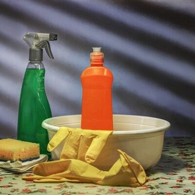 Pulizie domestiche contro il Covid-19: la guida del Ministero per l'uso di disinfettanti e detergenti