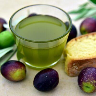 Olio di oliva: novità su panel di assaggiatori professionali e corsi di formazione