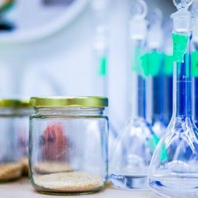 Materiali a contatto con gli alimenti: revisione EFSA per 451 sostanze